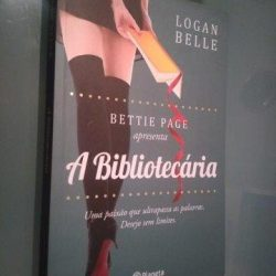 A Bibliotecária - Logan Belle
