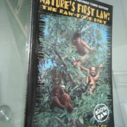 Nature's first law: the raw-food diet - Stephen Arlin / F. Dini / D. Wolfe