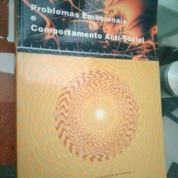 Problemas emocionais e o comportamento anti-social - Centro de psicopedagogia da Universidade de Coimbra -