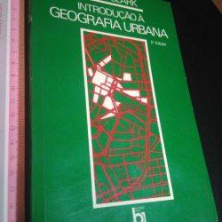 Introdução à geografia urbana - David Clark