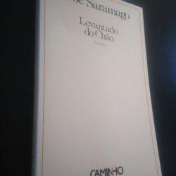 Levantado do chão - José Saramago
